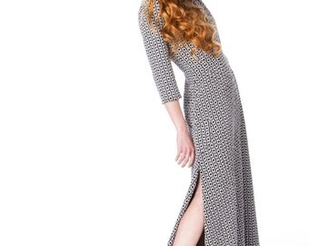 Mod Print Pleated Maxi Dress