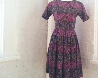 1950s Black Floral Fit and Flare Day Dress 50s Vintage Cotton Pink Purple Full Pleated Skirt Small Medium Fall Autumn Garden Party Dress
