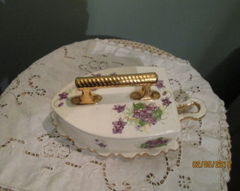 Vintage Violet Cheese Plate / Pate' Plate With Handle and Lid / Purple Violet Pattern