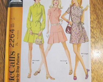 1970 Retro Fitted Blouse & Wrap Around Mini Skirt - CHOOSE Your Size - UNCUT Vintage Sewing Pattern McCalls 2264