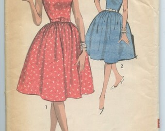 1960s Misses Scalloped Crisscross V Neck or One Shoulder Dress Full Skirt Advance 2932 Vintage Sewing Pattern Bust 34 UNCUT
