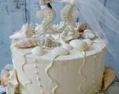 Sea Horse-wedding-cake topper-bride-groom-seahorse lover-kissing-beach-destination-themed-Mr and Mrs-seahorse cake topper-wedding decor