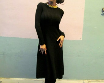 Vtg St. John Dress Sweater Knit Dress / Gold Sequin Collar