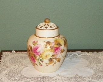 Antique Royal Worcester Potpourri Ginger JAR inside lid and reticulated top Gold Roses signed