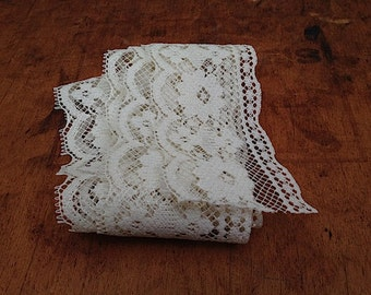 Antique Lace Trim, Delicate Cream White Colored Lace, Sewing Supplies for Dress Maker, Gift For Wife Mom, Antique Sewing Supplies Lace Trim