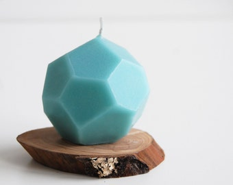 Holiday Candle - Faceted Handmade Candle - Modern Home Decor - Geometric Christmas Candle - Modern Candle, Christmas Gift - Hygge home decor