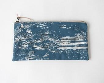 Wood Grain Study Zip Bag in Smoke Blue with Beige Zipper