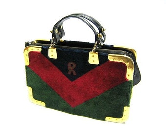 70's, 80's vintage Roberta di Camerino red, green, and navy chevron velvet  square doctor bag  with golden hardware frames. Rare masterpiece