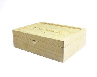 Wooden Keepsake Box / Gift box / Jewellry Storage + Engraving