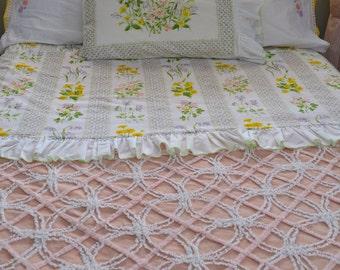vintage full bedding set: flat sheet, fitted sheet, 5 pillowcases