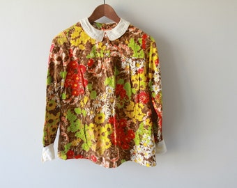 1960s Wild Daisy Watercolor Handmade Blouse / Peter Pan Collar Peasant Shirt