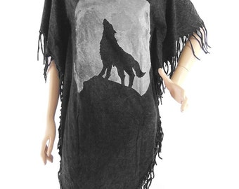 Wolf Howling T Shirt Wolf  T Shirt WomenT Shirt bleached TShirt Black Shirt Screen Print (Measurements - fits great from S - M)