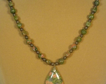 """25"""" Unikite necklace with Antique Gold Filiigree spacer beads - N290"""