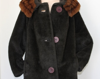gorgeous warm 50s furry coat / mink collar / chocolate brown / M/L