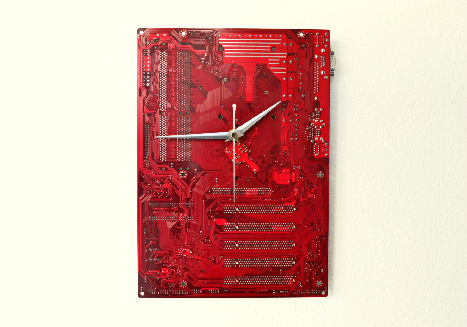 Snap Items Similar To Recycled Circuit Board Clock Not Plain Circuitboardclockjpg Dark Red Modern Wall Industrial Decor And Housewares