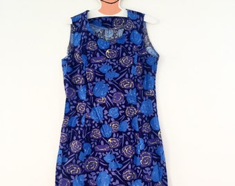 Marimekko custom made vintage dress / Straight model blue and purple roses / Finland Scandinavian design