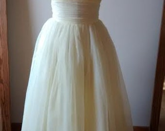 Lemon Chiffon 1950s party dress