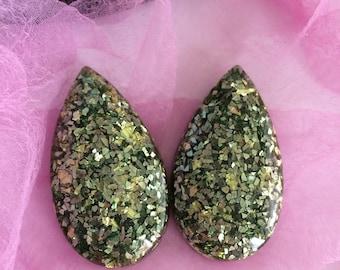 Large Green/Metallic Teardrop Confetti Lucite Earrings