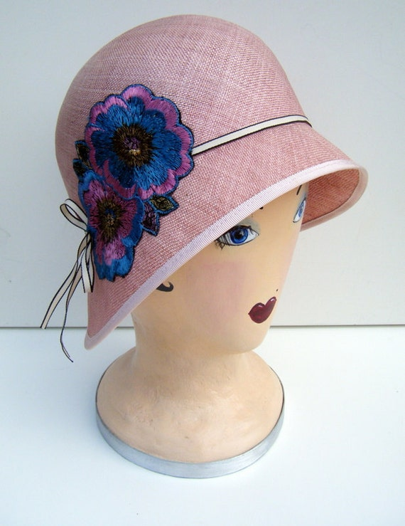Great gatsby style 1920s pink straw cloche with vintage silk art deco