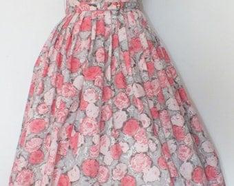 1950s Full Skirted Roses Print Dress