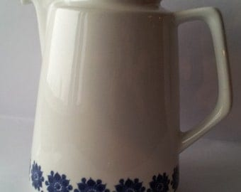 Vintage Figgjo Flint Norway Coffee Pot (no lid) - White with Blue Flower Pattern - Vitro Porselen Norway 3552 - Scandinavian Pottery