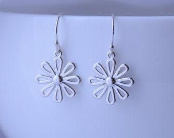 Flower earrings, Daisy earrings, Silver earrings, Spring gift