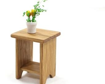 Dollhouse Endtable - Miniature Oak Furniture, Wood Table, Mini Furniture, Miniature Furniture, Mini Table, Dollhouse Miniature