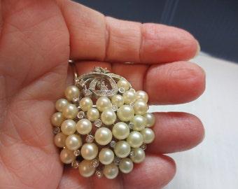 Vintage Marvella Pearl and Rhinestone 3 Dimensional Pin Brooch