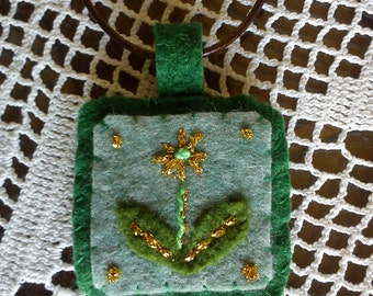Green and Gold Flower Felt Necklace