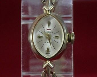 Vintage 1970 Ladie's Waltham 17 jewels Mechanical Watch