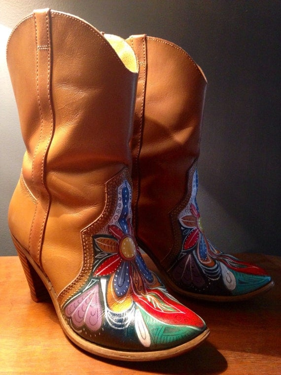 Amazing Women39s HandPainted Cowboy Boots Size 6B