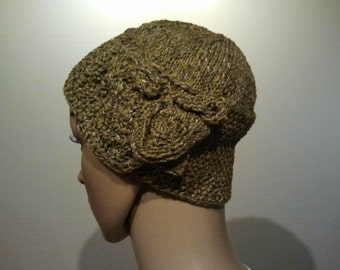 Elegant knitted CAP in olive green