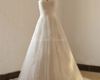 Romantic  A line lace wedding dress with sweetheart neckline