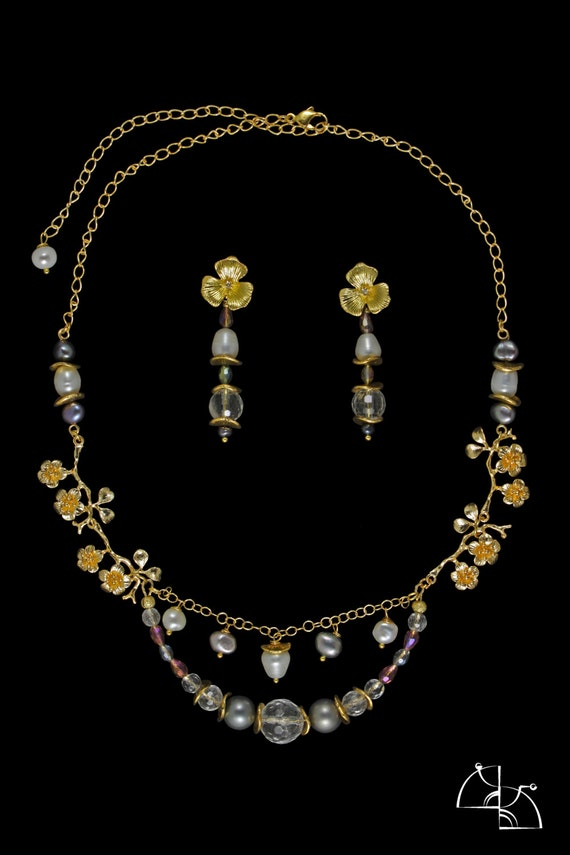Triumph. Jewelry Set. The brilliant and solemn necklace, bracelet and earrings.