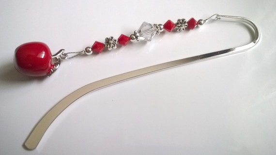 Teacher Gift, Beaded Bookmark , Red Apple Bookmark, Apple for the Teacher, Reading Teacher Tutor