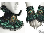 Green Victorian jewelry set, Choker and a pair of cuffs, Fantasy accessories, Fairy wedding, Vampire collar, Extravagant neck corset,
