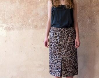 Loose Fit 80s Leo Paisley Midi Skirt