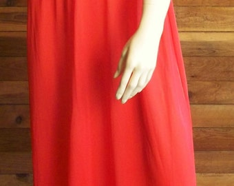 Vintage Lingerie 1970s INTERNATIONAL Red Nightgown Size 36