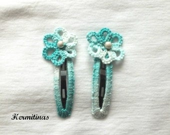 Set of two flower tatted hair clips, Aqua green tatting hair clips, Set of two tatted snap clips, Tatted aqua green flower hair clips,