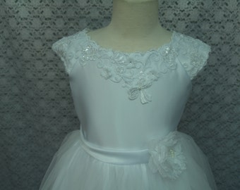 First White Communion dress Short sizes 6 and 10, Cap Sleeve, Lace Bodice, Tulle Skirt, Flower Fabric, Flower Girl Gown,Modern Simplicity
