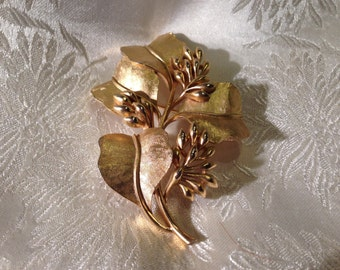 """Vintage Signed Crown Trifari Brushed Gold Leaves with Buds Brooch Pin 2 3/4"""""""