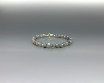 Beaded Labradorite bracelet with 14K gold plated elements - gift idea