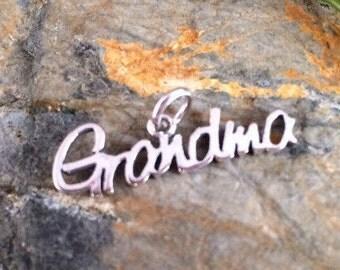 Grandma Charm, Grandma Sterling Silver Charm, Grandma Pendant, Sterling Silver Pendant, Sterling Silver Charm, Family Charm, PS0204