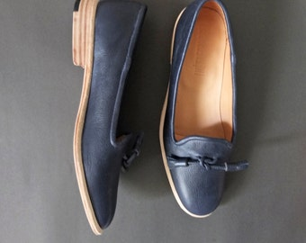 Handmade-to-order: leather loafers with tassle pompoms