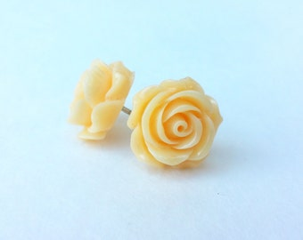 Vintage rose stud earrings- cream (yellow flower earrings, rose buds, resin, post, flower earrings, rosa)