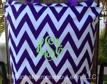 Personalized Monogram or Name Chevron Beach Bag/Tote with zippered closure - 11 Different color options - Bride, Bridesmaids, graduates