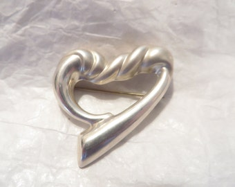Beautiful Twisted Sterling Silver Heart Brooch