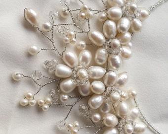 Eleganter funkelnder Perlen Brautschmuck