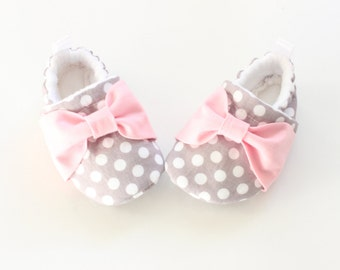 grey polka dots with pink bow - baby shoes, Soft Sole Baby Shoes, Fabric Baby Booties - great gift idea!