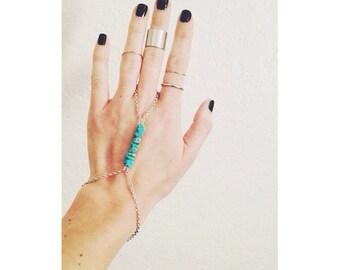 T U R Q S & P E B B L E S   Hand Chain